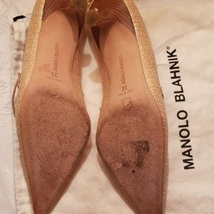Manolo Blahnik Shoes - Manolo Blahnik pointy toe heels
